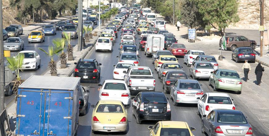 traffic problem Traffic problem has become a major problem in the word,it is obvious from the upsurge of private car use on the roads and the amount of problem they cause.