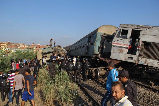 At least 31 killed in train crash in Egypt