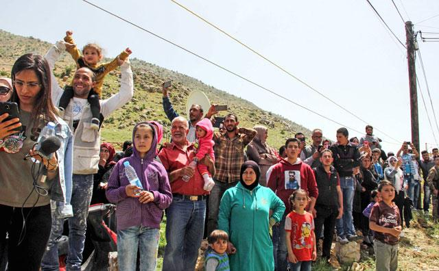 Almost 500 refugees return to Syria from Lebanon