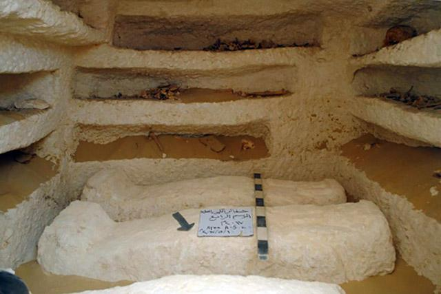 Archaeologists have uncovered a 2000 year-old cemetery in Egypt