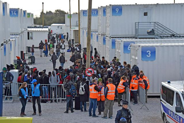 France to provide water and open centres for refugees near Calais