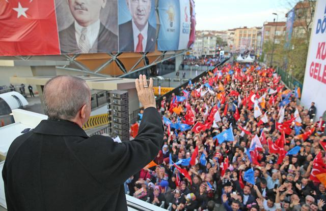 US pastor in Turkey on trial for terror ties