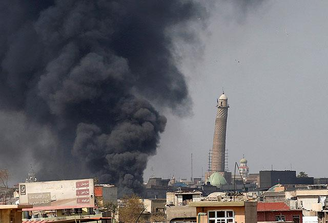 Iraq forces near Mosul mosque where IS declared 'caliphate'