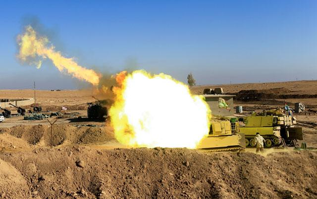 Mosul: Iraqi forces engage Islamic State in 'violent battles'