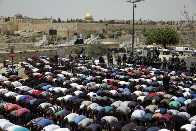 Waqf to meet for discussions on removal of Temple Mount metal detectors