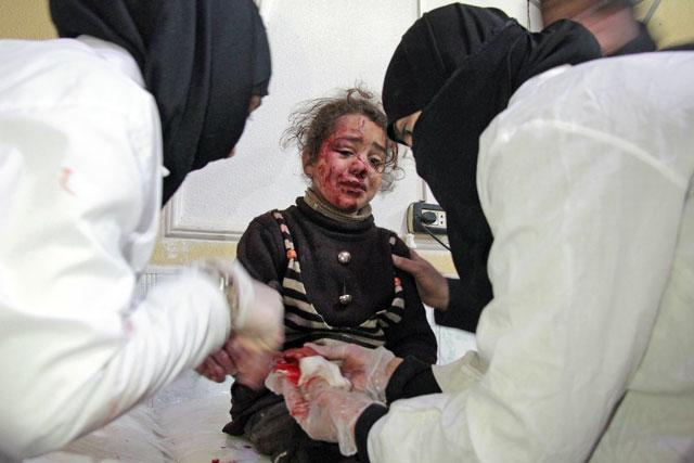 Airstrikes on suburbs of Syrian capital kill 17