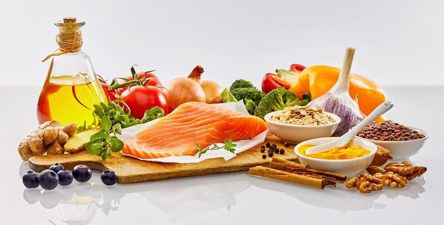 Mediterranean diet helps keep mind sharp and reduce frailty in old age
