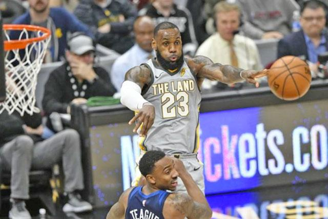 After whirlwind day, LeBron excited by Cavs' additions
