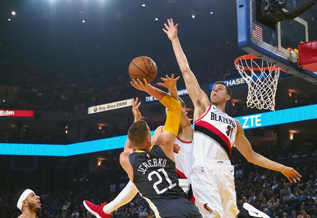 Warriors snap worst losing skid, Raptors outgun Wizards