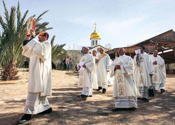Hundreds mark Jesus baptism at historic Jordan River site